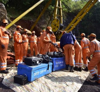 Two Indian miners dead in new accident, fate of missing 15 unknown
