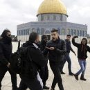 Israeli police arrest 19 Palestinians at Jerusalem holy site