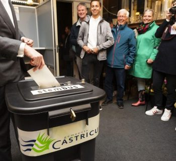 Dutch, UK polls open, starting 4 days of European elections